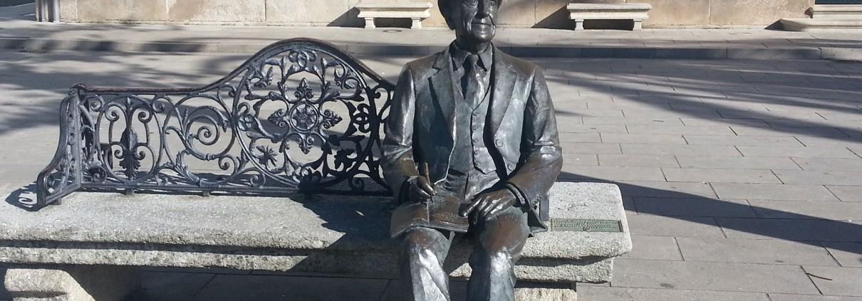 Estatua Ramón Cabanillas