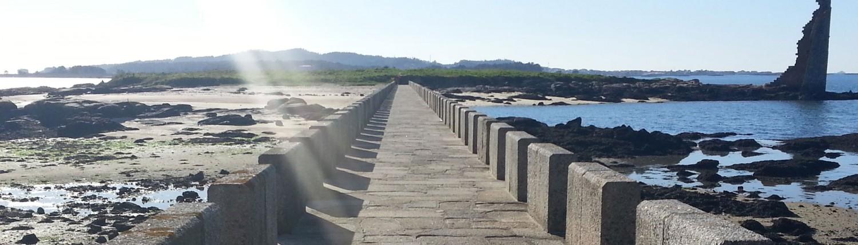 Playa A Mouta y Torre de San Sadurniño